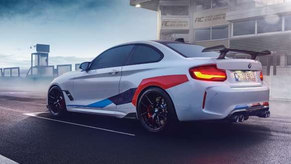 BMW M2 z akcesoriami M Performance Parts.